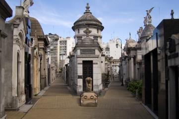 Buenos_Aires_-_Cementerio_de_la_Recoleta_-_200808a